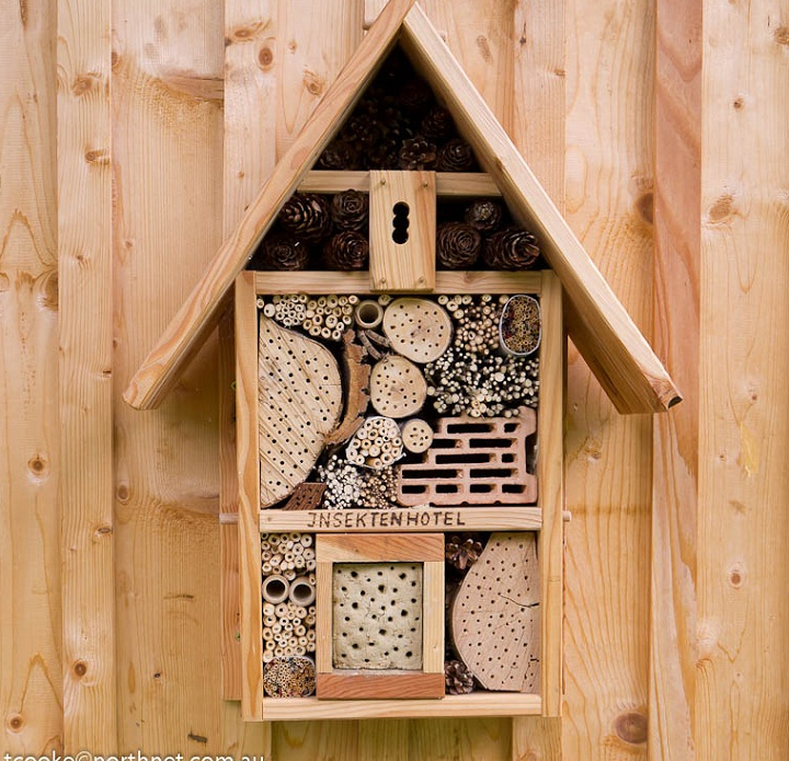 33 insect hotel