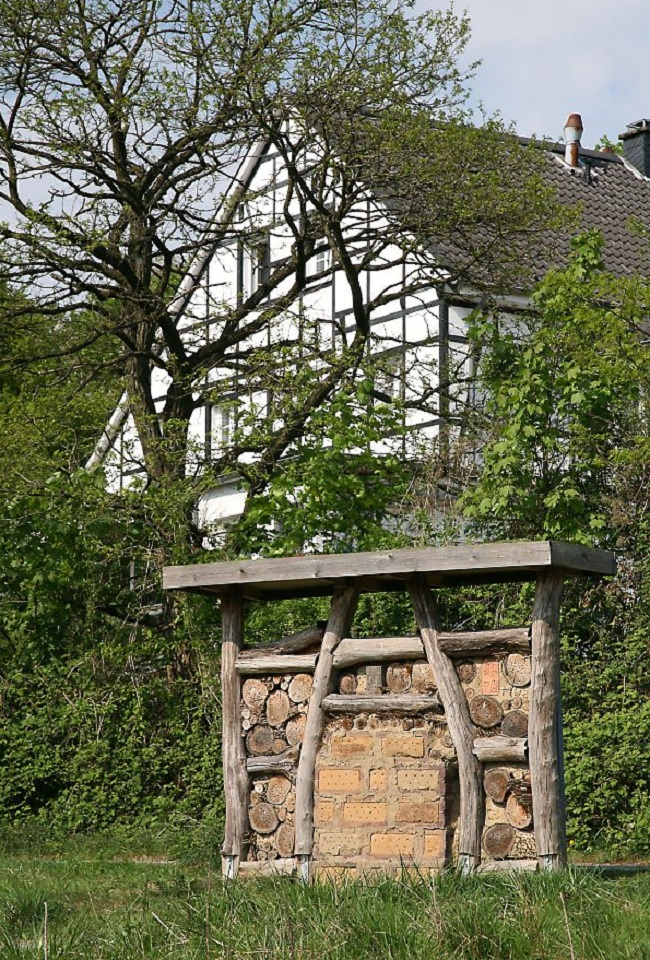 50 insect hotel